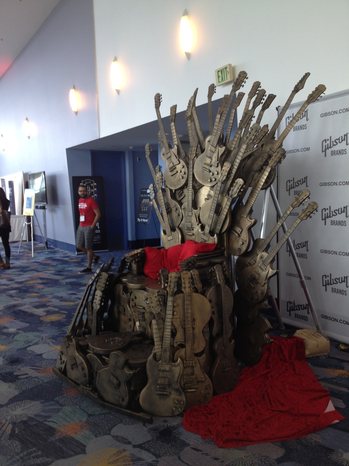 gibson guitars throne of guitars at namm show